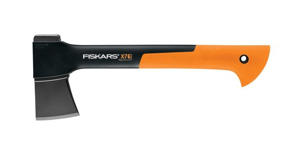fiskars x7 hatchet review an affordable axe for everyone. Black Bedroom Furniture Sets. Home Design Ideas