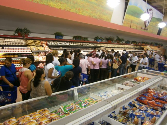 Food Lines In Venezuela back up for hours